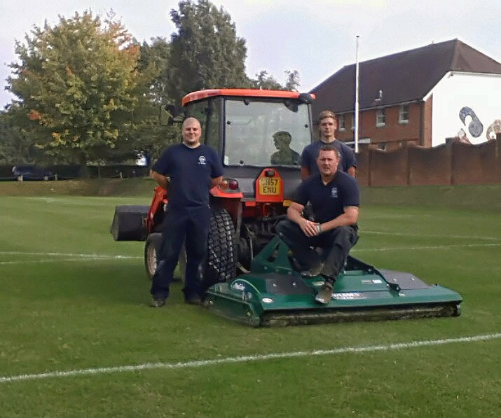 Dulwich - professional groundcare & agricultural equipment